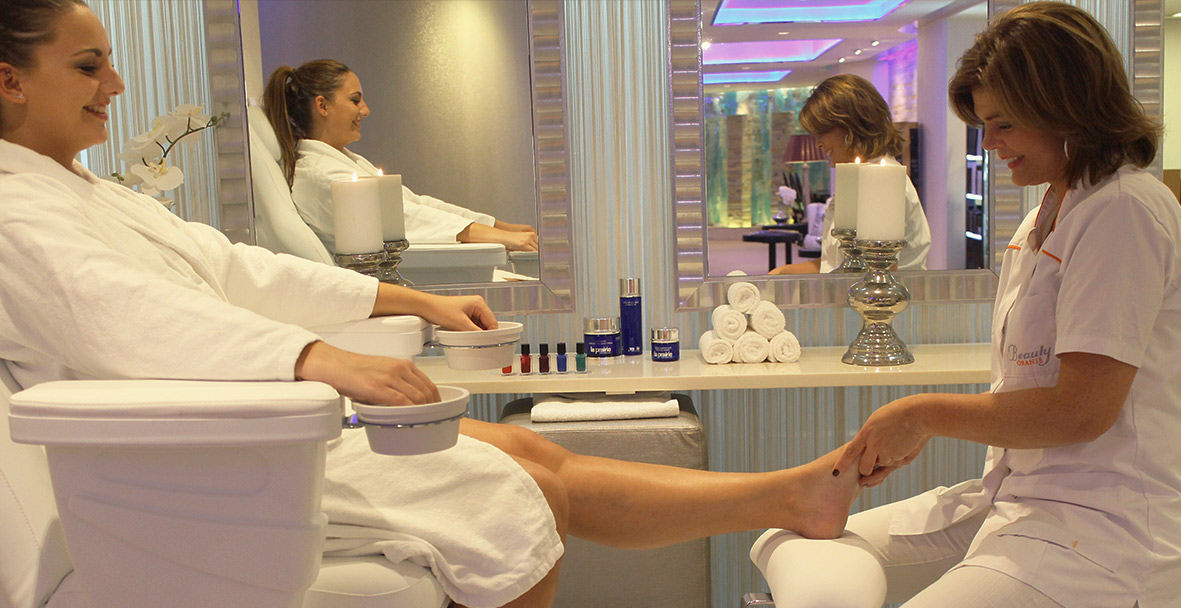 1-pedicure-close